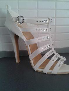 Gumpaste Shoe wooow