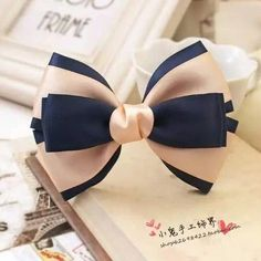This Pin was discovered by Chi Diy Hair Bows, Making Hair Bows, Diy Bow, Diy Ribbon, Ribbon Hair, Bow Hair Clips, Ribbon Crafts, Ribbon Bows, Ribbons