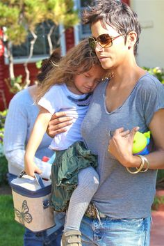 Halle Berry squeeze daughter Nahla tightly in this picture. The actress and her ex, Gabriel Aubry, continue to clash over their child's. Halle Berry Kids, Halle Berry Daughter, Halle Berry Short Hair, Halle Berry Style, Halle Berry Hairstyles, Short Hair Cuts, Short Hair Styles, Hale Berry, Famous Celebrities