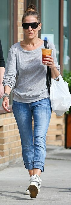 Sarah Jessica Parker in NY Sarah Jessica Parker, Office Outfits, White Jeans, Skinny Jeans, Street Style, Pants, Fashion, Celebs, Style