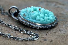 Necklace. I'm lovin' this.