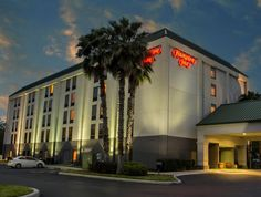 Tampa (FL) Hampton Inn Tampa-Veterans Expressway Hotel United States, North America Hampton Inn Tampa-Veterans Expressway Hotel is perfectly located for both business and leisure guests in Tampa (FL). Both business travelers and tourists can enjoy the hotel's facilities and services. To be found at the hotel are 24-hour front desk, facilities for disabled guests, luggage storage, Wi-Fi in public areas, car park. Television LCD/plasma screen, non smoking rooms, air conditioning...