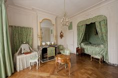 *Rococo Revisited - Versailles, Madame de Pompadour's apartment Madame Pompadour, Pompadour Fade, Versailles, Alcove Bed, Interior Architecture, Interior Design, Fontainebleau, Bedroom Green, Marie Antoinette