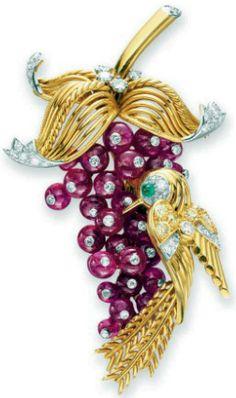 Marchak - Broche 'Oiseau sur une Grappe' - Or, Diamants et Rubis - Années 40
