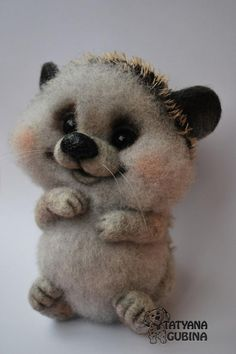 Cute little animal: felting tutorial including how to attach eyelashes and adding eyelids