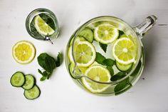 Gurken-Zitronen-Minz-Wasser | Infused Water | SOAP|KITCHEN|STYLE Lime, Soap, Fruit, Spring, Kitchen, Summer, Ideas, Style, Fresh
