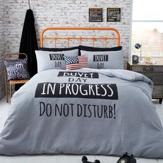 Duvet Day in progress duvet cover, perfect for teenagers or student life. Catherine Lansfield bedding for boys comes in singles & doubles. Can be accessorised with other student ranges such as city life & Stars & stripes cushions.
