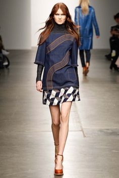 Karen Walker F/W 2015, at NYFW. Three patterns at once! The geometric one is great.