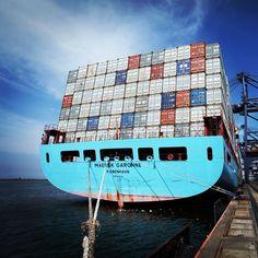 Maersk Garonne in the Jakarta International Container Terminal