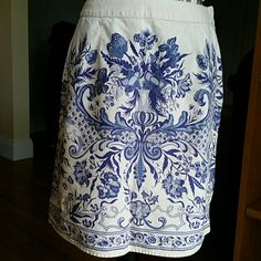 HP Liz Claiborne Paisley Cotton Skirt Beautiful Liz Claiborne Paisley Cotton Skirt with side zipper and button closure. Perfect for those hot days.You can still look put together. Liz Claiborne Skirts