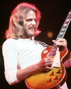 Don Felder, one of the Eagles guitarists. Classic Rock And Roll, Rock N Roll, Rock And Roll History, Eagles Band, Hotel California, Guitar Tips, American Music Awards, Gibson Les Paul, Rock Legends