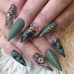 Camouflage Nails, Camo Nails, Bling Nails, Glitter Nails, Camo Nail Designs, Creative Nail Designs, Nail Art Designs, Fabulous Nails, Gorgeous Nails