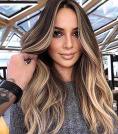 Brunette Blonde Highlights, Dark Brunette Hair, Balayage Hair Blonde, Brown Blonde Hair, Hair Highlights, Balyage Long Hair, Cabelo Ombre Hair, Gorgeous Hair Color, Best Hair Color