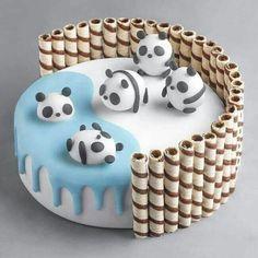 Pretty Birthday Cakes, Pretty Cakes, Cute Cakes, Panda Birthday Cake, Birthday Cupcakes, Delicious Desserts, Dessert Recipes, Yummy Food, Dessert Food
