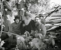 A photograph that has appeared in the Greek media shows Elder Tikhon (Golenkov) in the center foreground, receiving monks from the Brotherhood of St. Josaph inside the cell of Exaltation of the Holy Cross. Miséricorde Divine, Holy Cross, Greece, Photo Galleries, Father, Spirituality, Unique, Saints, Archive