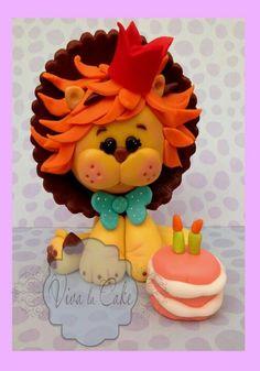 fondant lion so cute! Lion Cakes, Lion King Cakes, Fondant Cake Toppers, Fondant Figures, Clay Figures, Stick Figures, Cupcake Toppers, Cake Topper Tutorial, Fondant Tutorial