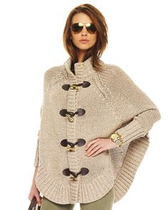 @ Stephanie Brown: this is the cape! But mines in Grey # Michael Kors Cape Cardigan, Poncho Outfit, Knitted Cape, Crochet Poncho, Simply Fashion, Michael Kors, Knitting Accessories, Casual Chic Style, Knit Fashion