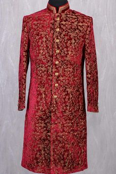 Indian Groom Dress, Wedding Dresses Men Indian, Indian Bridal Outfits, Indian Weddings, Couple Wedding Dress, Wedding Outfits For Groom, Wedding Couples, Sherwani Groom, Wedding Sherwani