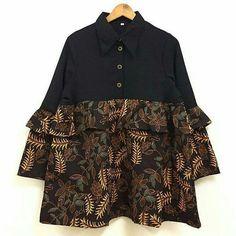 Model Dress Batik, Batik Dress, Blouse Batik Modern, Dress Batik Kombinasi, Batik Muslim, Ladies Kurti Design, Girls Casual Dresses, Batik Fashion, Blouse Models