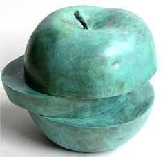 Hommage to  Magritte/ Dalí Bronze Sculpture Green Apple Limited edition op Etsy, 196,58€