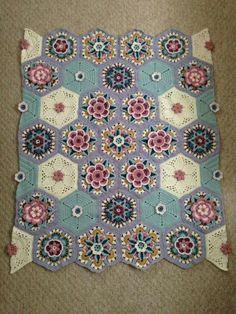 Best 12 Ravelry: Project Gallery for Frida's Flowers Blanket pattern by Jane Crowfoot – SkillOfKing. Plaid Crochet, Crochet Motifs, Manta Crochet, Crochet Mandala, Crochet Squares, Crochet Home, Knit Or Crochet, Crochet Blanket Patterns, Crochet Crafts