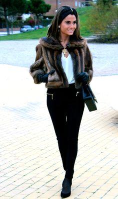 Fashion and Style Blog / Blog de Moda . Post: Weekend before Christmas / Fin de semana antes de Navidad See more/ Más fotos en : http://www.ohmylooks.com/?p=7665 by Silvia García Blanco