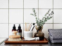 skandinavisch home_gray_neutral_bathroom_tooth brush wood tray . - larissa - skandinavisch home_gray_neutral_bathroom_tooth brush wood tray . skandinavisch home_gray_neutral_bathroom_tooth brush wood tray - Bathroom Tray, Bathroom Styling, Bathroom Furniture, Small Bathroom, Modern Bathroom, Bathroom Ideas, Bathroom Organization, Parisian Bathroom, Wooden Furniture