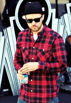 We have to say, Justin Timberlake gets most improved on the sunglasses game.