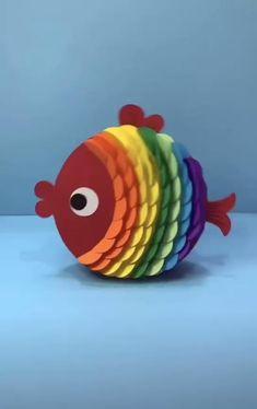 Rainbow Fish Crafts Paper Crafts For Kids, Diy Paper, Arts And Crafts For Kids Easy, Fish Paper Craft, Ant Crafts, Insect Crafts, Fun Easy Crafts, Easy Easter Crafts, Thanksgiving Crafts For Kids