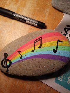 Rainbow music painting on walls art ideas Rock Painting Patterns, Rock Painting Ideas Easy, Rock Painting Designs, Paint Designs, Pebble Painting, Pebble Art, Stone Painting, Music Painting, Diy Painting