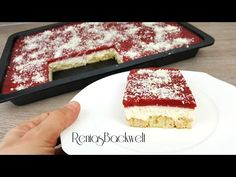 Tastes like spaghetti ice cream ➟➟➠ cake without baking - Kuchen Spaghetti Ice Cream, Spaghetti Torte, Greek Recipes, Cream Cake, Food Items, Food And Drink, Sweets, Stuffed Peppers, Fruit Popsicles