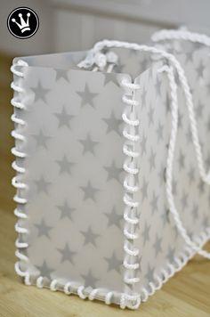 DIY - Tasche aus Tischsets selbermachen. Diese stabilen Taschen verwende ich sehr gerne für meine Einkäufe, den Stadtbummel oder fürs Freibad und den Strand. Die Anleitung dazu gibts auf meinem Youtube Kanal Dekoideenreich