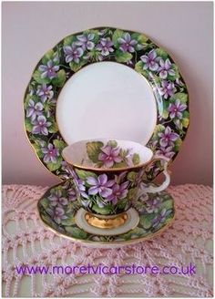 Royal Albert, Violet trio