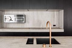 Oak Grey - woodstructure - Kitchen by Dejaeghere Architecten Modern Kitchen Sinks, Kitchen Sink Design, Interior Design Kitchen, Kitchen And Bath, Cool Kitchens, My Kitchen Rules, Kitchen Pantry, Internal Design, Ikea