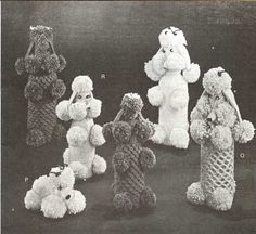 Crochet Poodle Wine Bottle Cover, Patterns from Bazaar Novelties and Gifts by Beehive, c. 1960 PoodleFest, part AKA Attack of the Killer Poodles! Free Knitting, Free Crochet, Crochet Baby, Knit Crochet, Crochet Gifts, Easy Crochet, Sweet Memories, Childhood Memories, Wine Bottle Covers