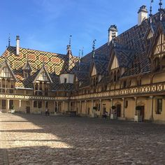 The amazing Hotel-Dieu in #beaune #burgundy #bourgogne a medieval hospital well ahead of its time #ilovetravel #visitlafrance #francetourisme #loves_united_france #beautifuldestinations #travelgram #traveltheworld #wanderlust #travel #tourism #travelgram #meetingprofs #eventprofs #meeting #planner #events #eventplanner #popular #trending #micefx [Visit www.micefx.com for more...]
