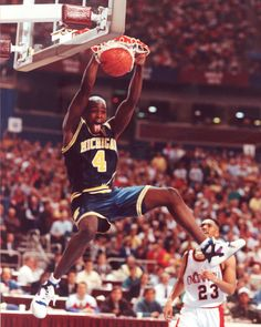 My Sports Obsession Michigan Wolverines Basketball History, Basketball Is Life, Basketball Season, Basketball Pictures, Basketball Legends, Sports Basketball, College Basketball, Sports Images, Sports Pictures