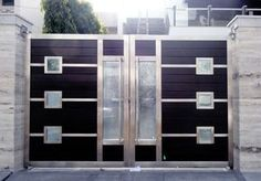 Manufacturers of highly durable stainless steel main gates for homes, offices, commercial & industrial places, buy SS main gates from Shri Ram Grill cast in Delhi, Faridabad, Noida and Gurgaon