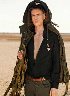 Alexander G y Innes Maas para GQ Sudáfrica Style Issue No. 9