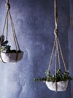 Add more greenery to your home with these do it yourself hanging planters.