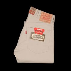 OFF LEVI'S VINTAGE CLOTHING. Started in 1999 to faithfully recreate garments from Levi's vast archives, Levi's Vintage Clothing has since expanded to producing vast, era-specific lines with fully realized concepts. Levis 519, White Levis, Vintage Levis, Vintage Outfits, Vintage Clothing, Trendy Outfits, Jeans, Nasa Astronauts, Clothes
