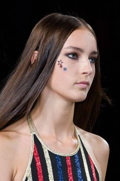 The Top Hair and Makeup Trends from New York Fashion Week - Spring 2015 Beauty Trends - Elle Skin Makeup, Beauty Makeup, Top Beauty, Makeup Trends, Beauty Trends, Spring Summer 2015, Catwalk, Tommy Hilfiger, Makeup Looks