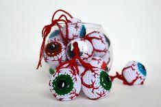 ALL-PRIZE LOTTERY Halloween gift Handmade crochet eyeballs Crochet keychain Anatomy gift Nerdy science plush Zombie Spooky toy for boy