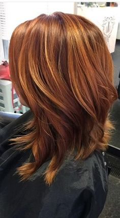 Poppenhuis Trendfrisuren Baby trend, akkurater Mittelscheitel oder German Reduce Kick the bucket Frisurentrends 2020 Hair Color Auburn, Red Hair Color, Hair Color Balayage, Auburn Hair With Highlights, Coiffure Hair, Grunge Hair, Great Hair, Curled Hairstyles, Hair Day
