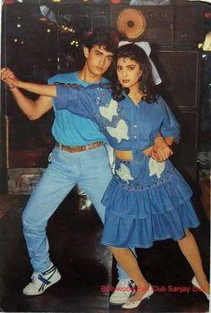 . Bollywood Actors, Bollywood Fashion, Juhi Chawla, Aamir Khan, Vintage Bollywood, Retro Vintage, Cinema, Indian, Film
