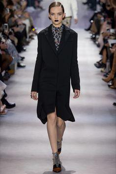 Christian Dior Parigi - Collections Fall Winter 2016-17 - Shows - Vogue.it