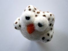 Needlefelted owl brooch by stupidcats. 2010-2012