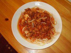 "Spaghetti mit Tomatensosse nach ""Bologneser Art"" - Rezept"