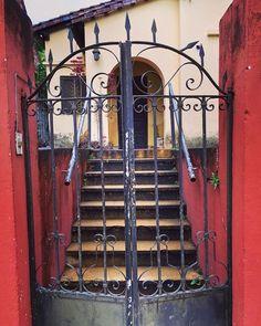 Portón antiguo .Asunción-Paraguay