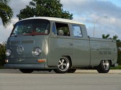 The paint scheme on this double cab is perfect!